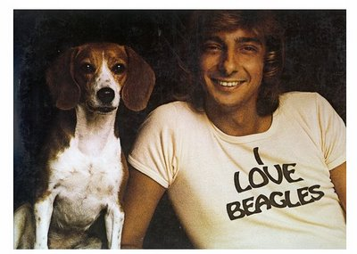 Barry Manilow loves Beagles